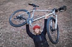Tamar Valkenier gaat per fiets op reis richting Azie.